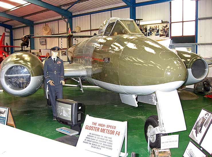 Gloster Meteor F.4 (EE549)